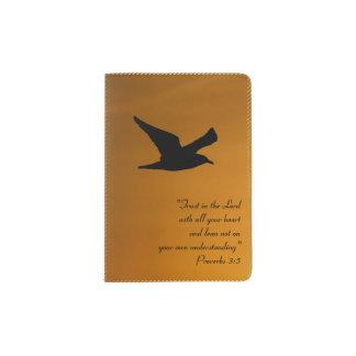 Protège-passeport Vers jaune de bible de foi d'oiseau de ciel de