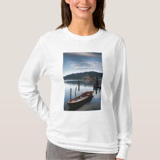 Province de l'Italie, Novare, Orta San Giulio. T-shirt