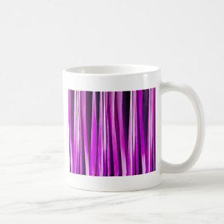 Prune pourpre et et lignes rayées motif de mug