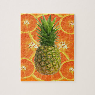 PUZZLE ANANAS TROPICAL ET FRUIT ORANGE JUTEUX DE TRANCHES