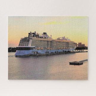 Puzzle Aube de port de Nassau avec le bateau de croisière