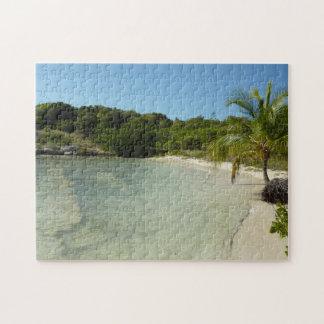 Puzzle Beau paysage tropical de plage antiguaise