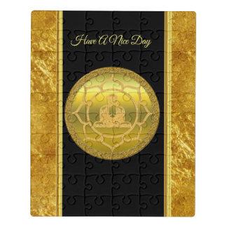 Puzzle Bouddha faisant la feuille d'or de chant religieux