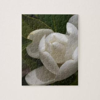 Puzzle bourgeon floral blanc de magnolia du sud