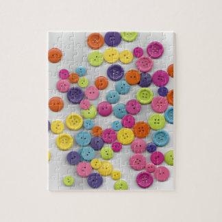 Puzzle Boutons colorés ici