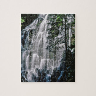 Puzzle Cascade dans la forêt, Orégon