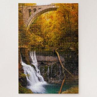 Puzzle Cascade en canyon de gorge de Vintgar en automne
