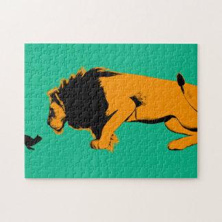 Puzzle Chat contre le lion prêt à combattre ou prendre