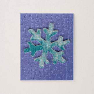 Puzzle Choisissez le flocon de neige de couleur sur le