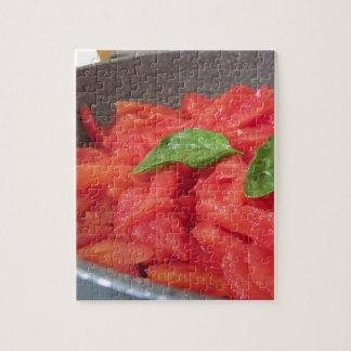 Puzzle Cuisson de la sauce tomate faite maison utilisant