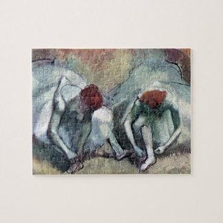 Puzzle Danseurs laçant leurs chaussures par Edgar Degas