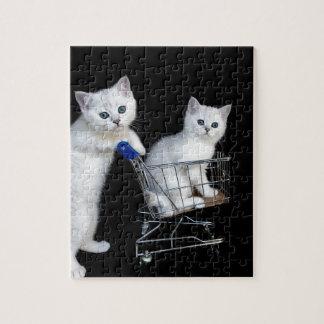 Puzzle Deux chatons blancs avec le caddie sur black.JPG