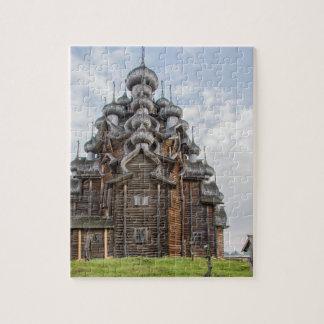 Puzzle Église en bois fleurie, Russie