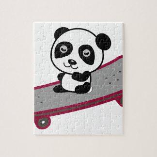 Puzzle Équitation de panda sur la planche à roulettes