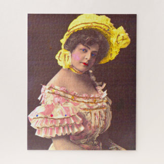 Puzzle femme de 1890s dans la copie froncée de vêtement