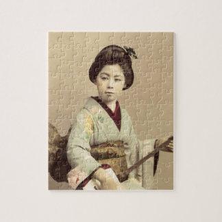 Puzzle Geisha japonais vintage jouant le shamisen