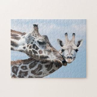 Puzzle La girafe embrasse son veau