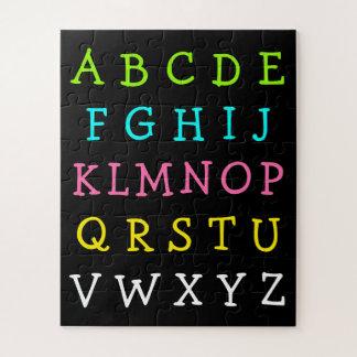 Puzzle L'alphabet anglais d'amusement marque avec des