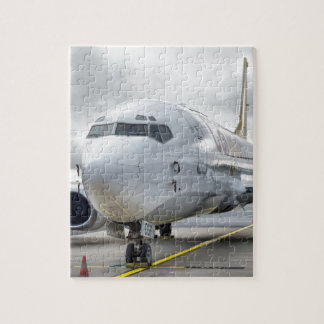 Puzzle L'avion à l'aéroport sur la route