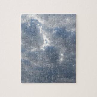 Puzzle Le ciel avec les cumulonimbus et le soleil de