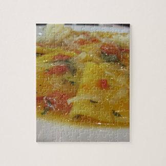 Puzzle Pâtes faites maison avec la sauce tomate, oignon,