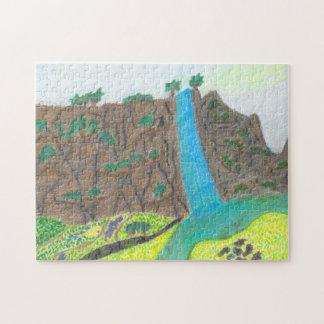 Puzzle pittoresque ensoleillé de falaise et de pré