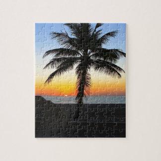 Puzzle Plage de sable de ciel de palmier d'aube d'aube de