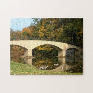Puzzle Pont en arc-en-ciel dans l'automne à l'université