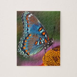 Puzzle Profil de papillon sur une fleur