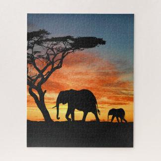 Puzzle Silhouette africaine colorée d'éléphant de coucher
