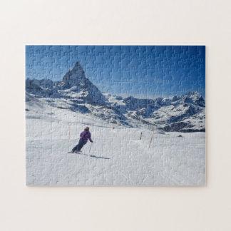 Puzzle Skiant avec Mt. Matterhorn dans Zermatt, la Suisse