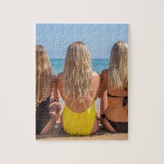 Puzzle Trois filles néerlandaises blondes s'asseyent sur