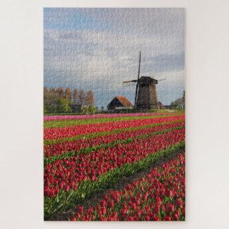 Puzzle Tulipes rouges et un moulin à vent