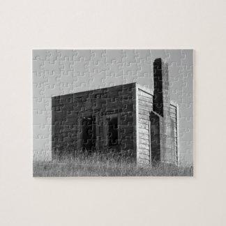 Puzzle vieille cabane de hutte de cabine de colons noire