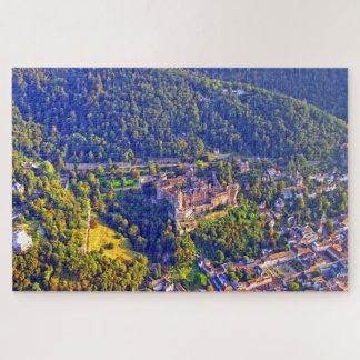 Puzzle Vue aérienne de ville et de château romantiques