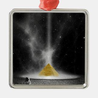 Pyramide de l'espace ornement carré argenté