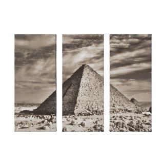 Pyramide de sépia toile