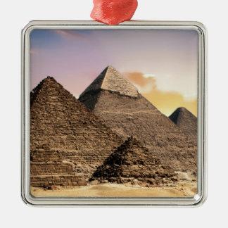 pyramides ornement carré argenté
