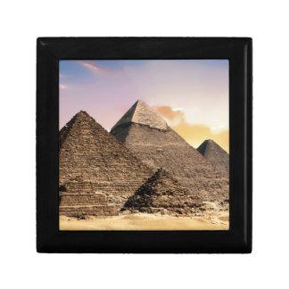 pyramides petite boîte à bijoux carrée