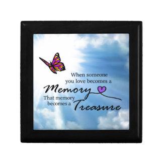 Quand quelqu'un que vous aimez, papillon boîte à souvenirs