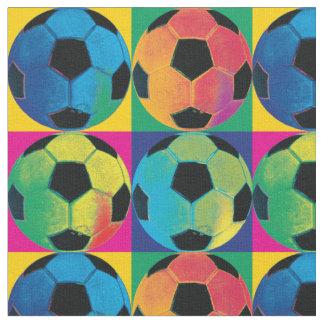 Quatre ballons de football dans différentes tissu