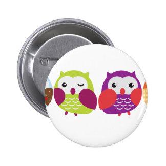 Quatre hiboux colorés badges