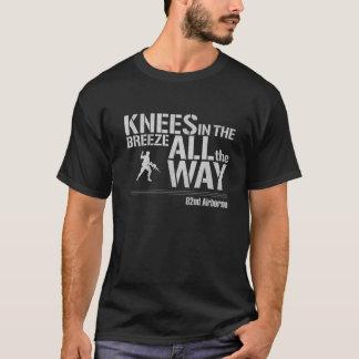 quatre-vingt-deuxième Complètement genoux T-shirt