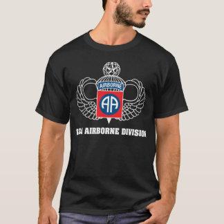 quatre-vingt-deuxième T-shirt d'obscurité de