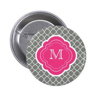 Quatrefoil gris avec le monogramme rose badges