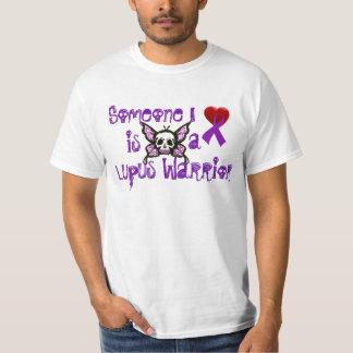 Quelqu'un amour d'I….est un guerrier de lupus T-shirt