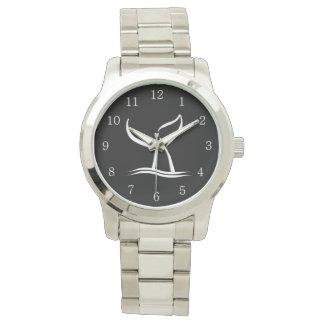 Queue de baleine blanche sur des nombres blancs montres bracelet