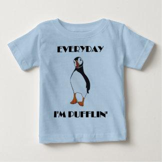 Quotidien je suis oiseau de macareux de Pufflin T-shirt Pour Bébé