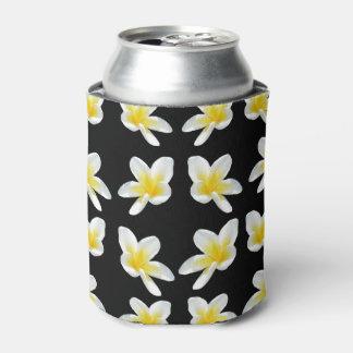 Rafraichisseur De Cannettes Fleurs jaunes de Frangipanis sur le noir,