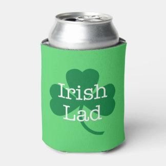 Rafraichisseur De Cannettes L'jeune homme irlandais, shamrock du jour du paddy